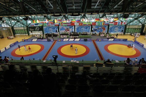 Тестовые соревнования на Кубок мира по самбо среди студентов во Дворце единоборств Ак Барс в Казани.