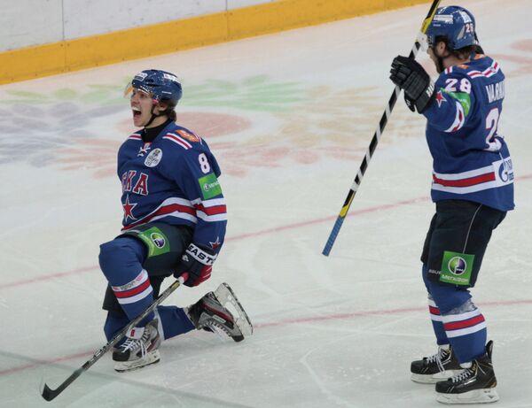 Хоккеисты СКА