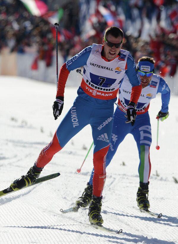 Сергей Устюгов (слева)