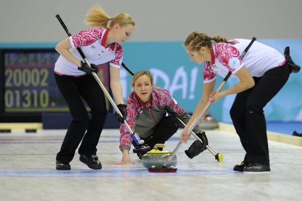 Российские спортсменки Александра Саитова, Алина Ковалева и Оксана Гертова (слева направо)