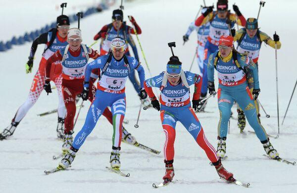 Россиянка Светлана Слепцова (в центре)