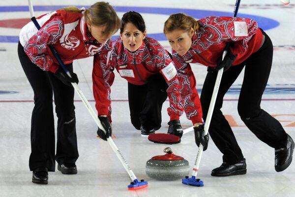 Российские спортсменки Людмила Прививкова, Екатерина Галкина и Маргарита Фомина (слева направо)