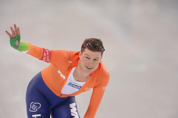 Голландский конькобежец Свен Крамер в мужском забеге на 5000 м