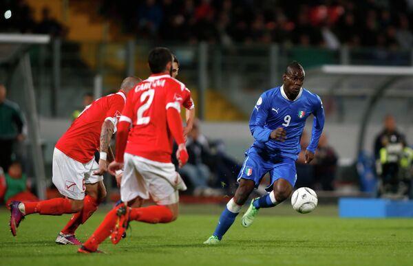 Игровой момент матча Мальта-Италия