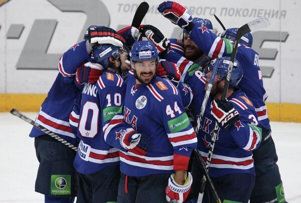 Радость игроков ХК СКА после победы над московским Динамо