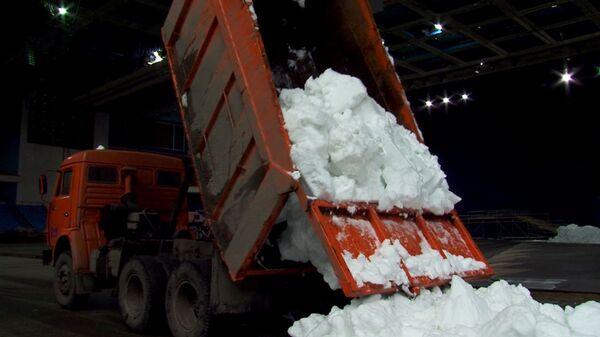Снег для Мартена Фуркада и Туры Бергер в Олимпийский везут самосвалами