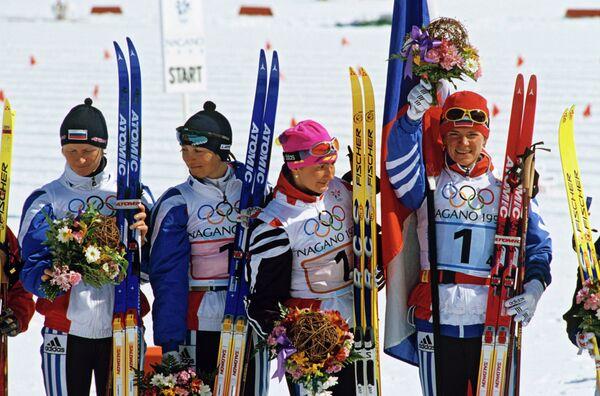 Российсктие лыжницы Ольга Данилова, Нина Гаврилюк, Елена Вяльбе и Лариса Лазутина