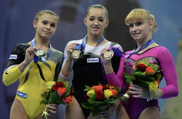 Призеры в упражнении на бревне на чемпионате Европы по спортивной гимнастике