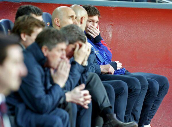 Скамейка запасных Барселоны во время матча с Баварией