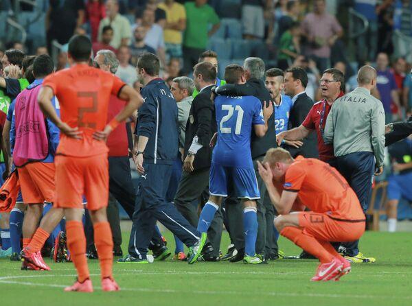 Сборная Италии радуется выходу в финал молодежного чемпионата Европы