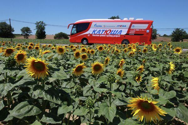 Автобус российской команды Катюша