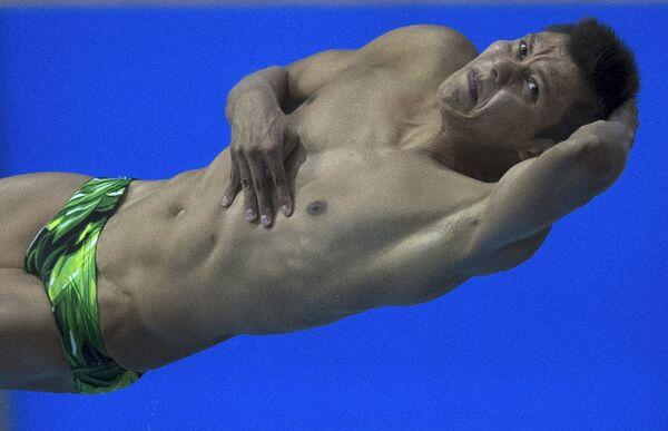 Герман Саул Санчес (Мексика) в финале соревнований по прыжкам в воду