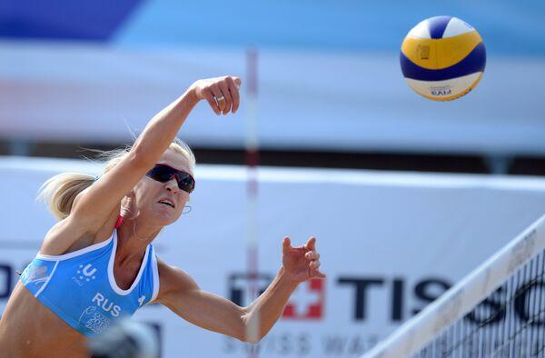 Игрок сборной России Мария Прокопьева в полуфинальном мачте женского турнира по пляжному волейболу между сборными командами России и США