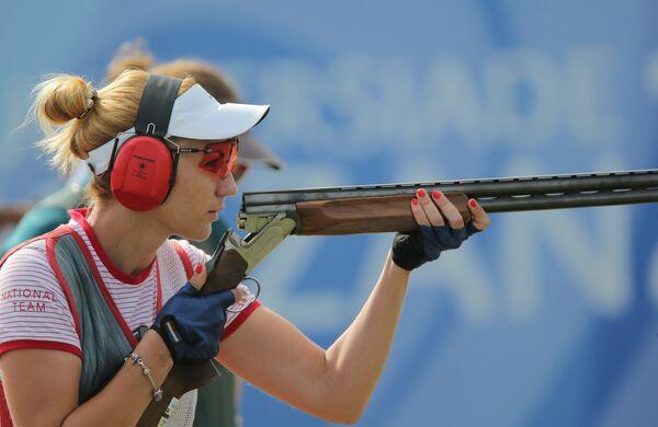 Татьяна Барсук (Россия) во время полуфинальных соревнований по стендовой стрельбе в упражнении трап