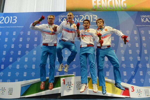 Российские спортсмены Алексей Хованский, Алексей Черемисинов, Реналь Ганеев, Артур Ахматхузин (золотые медали)