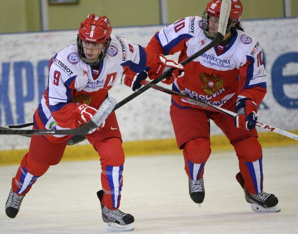 Александр Вафина (слева) и Людмила Белякова
