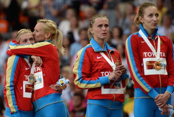 Российские спортсменки Антонина Кривошапка, Юлия Гущина, Ксения Рыжова и Татьяна Фирова (слева направо)