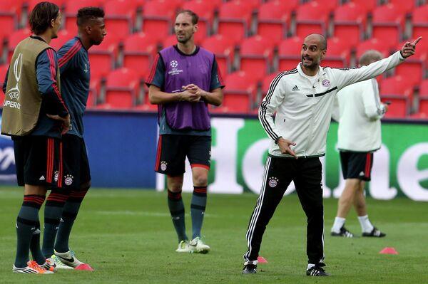 Футбол. Тренировки перед матчем Суперкубка УЕФА 2013