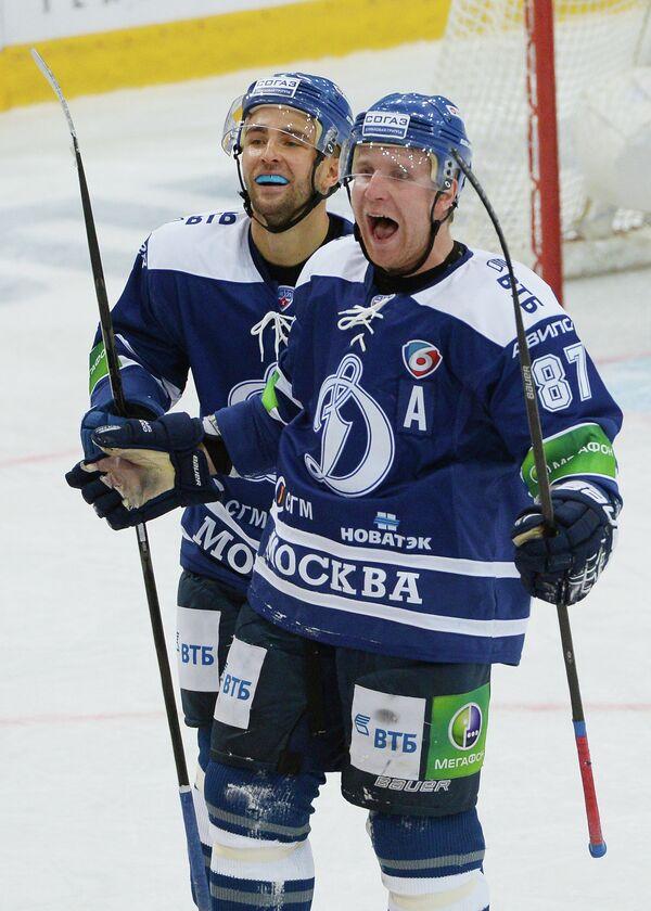 Игроки Динамо Доминик Граняк (слева) и Леонид Комаров