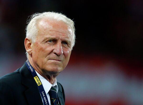 Главный тренер сборной Ирландии Джованни Трапаттони во время матче против сборной Австрии