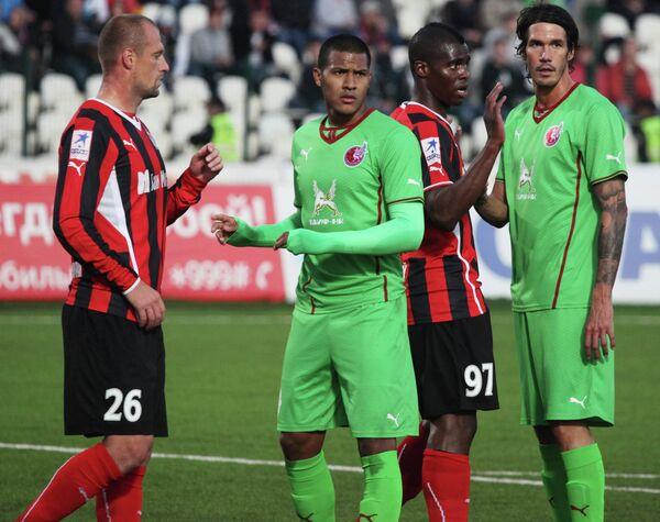 Игровой момент матча Амкар - Рубин