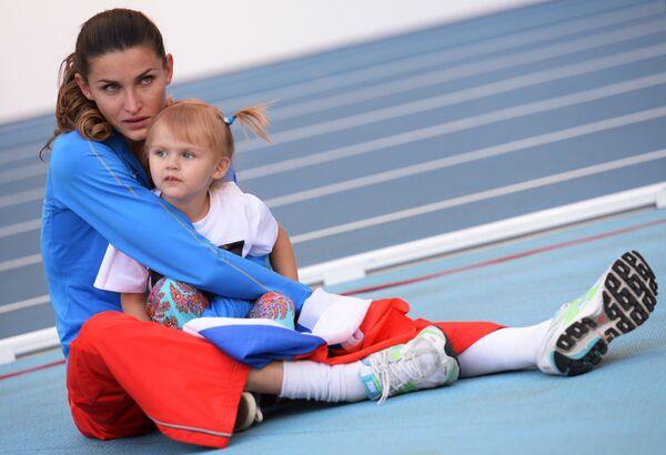 Анна Чичерова с дочерью Никой