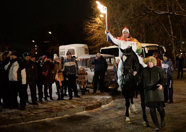 Эстафета Олимпийского огня. Томск. Факелоносец Василий Омельченко