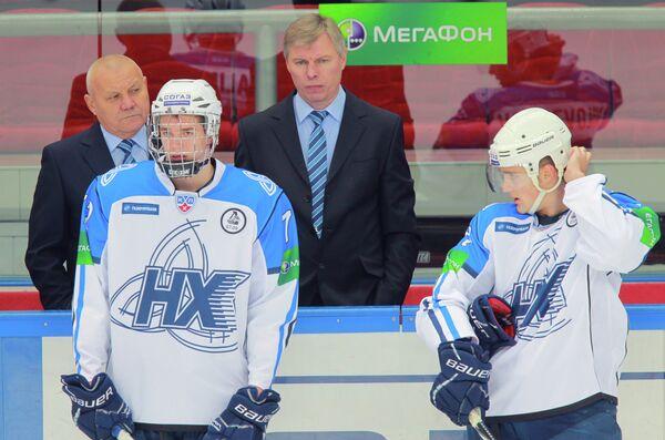 Эмиль Галимов и Егор Миловзоров (слева направо на первом плане)