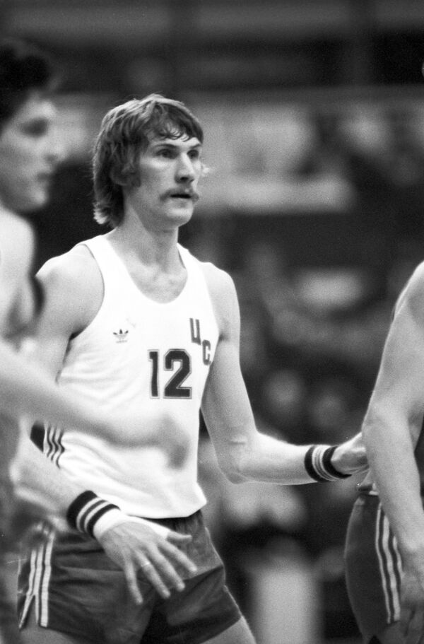 Баскетболист Анатолий Мышкин