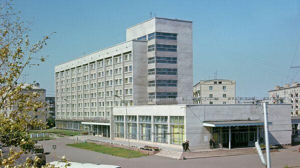 Вид на одну из улиц Оренбурга