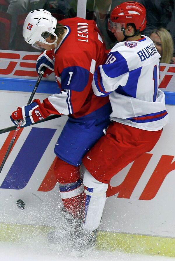 Игровой момент матча Норвегия - Россия