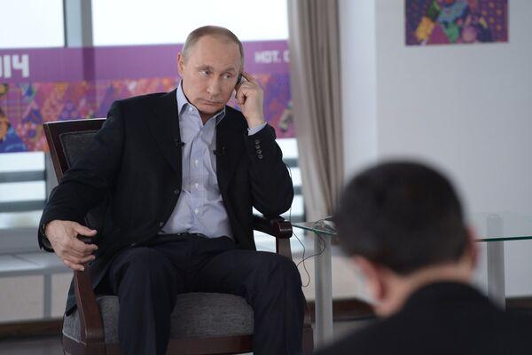 В.Путин дал интервью российским и иностранным СМИ