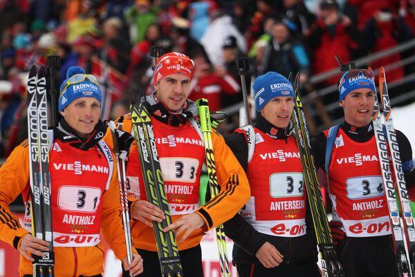 Немецкие спортсмены Эрик Лессер, Арнд Пайффер, Андреас Бирнбахер и Симон Шемпп (слева направо)