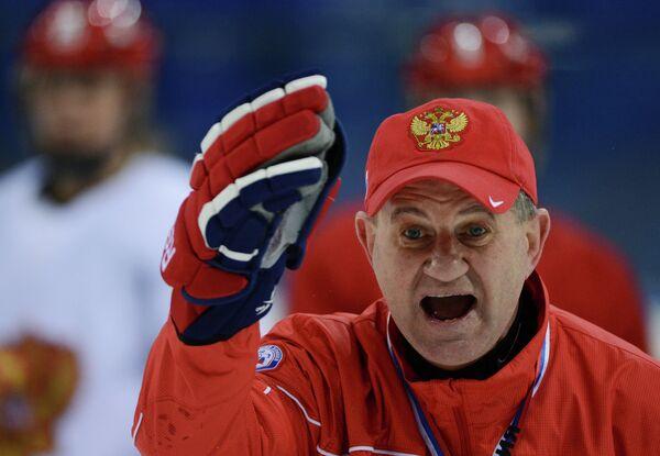Главный тренер женской сборной России по хоккею Михаил Чеканов