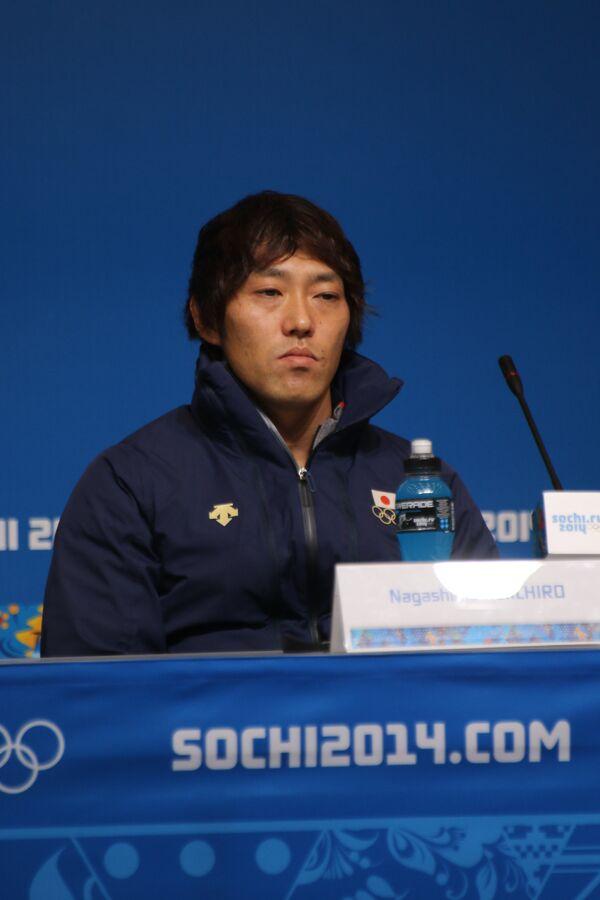 Японский конькобежец Кэйитиро Нагасима