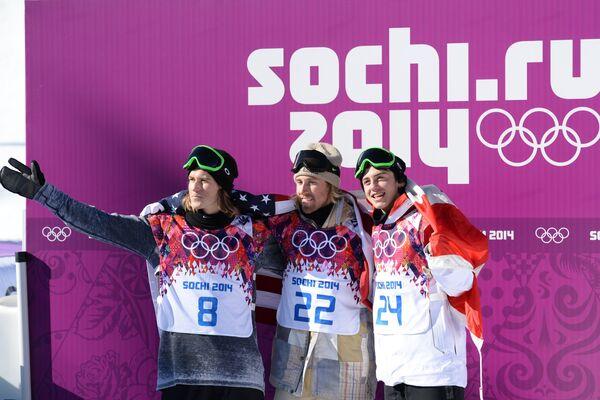 Столе Сандбек (Норвегия), Сейдж Коценбург (США) и Марк Макморрис (Канада) (слева направо)