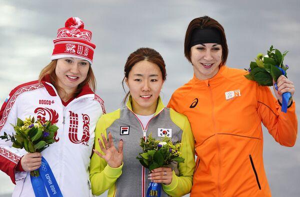 Ольга Фаткулина, Ли Сан Хва и Маргот Бур (слева направо)