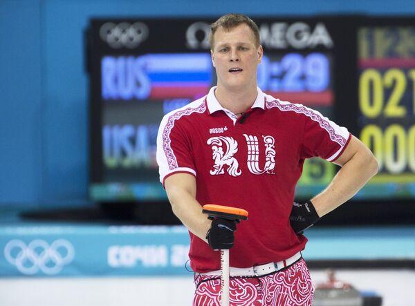 Петр Дрон (Россия) в матче кругового турнира между сборными командами России и США