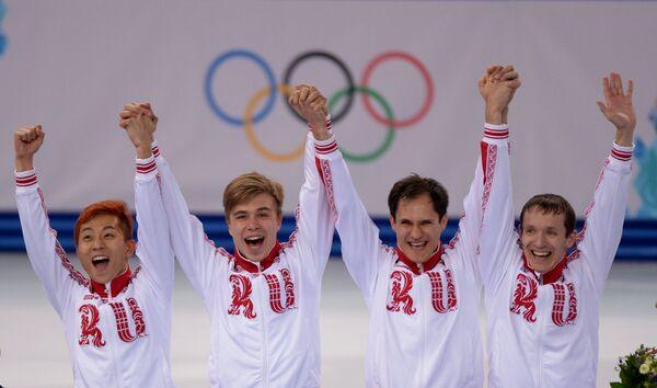 Команда России в составе Руслана Захаров, Владимира Григорьева, Виктора Ана и Семена Елистратова