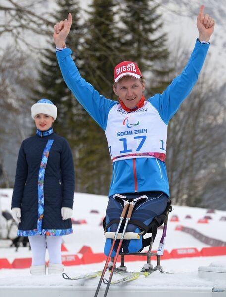 Александр Давидович (Россия), завоевавший бронзовую медаль в гонке на дистанции 15 км в классе LW 10-12 (сидя)