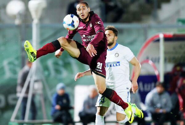 Игровой момент матча Ливорно - Интер