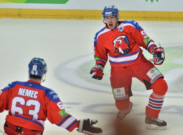 Хоккеисты Льва Ондржей Немец и Мартин Шевц