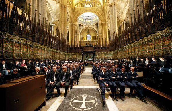 Церемония прощания в Барселонском соборе