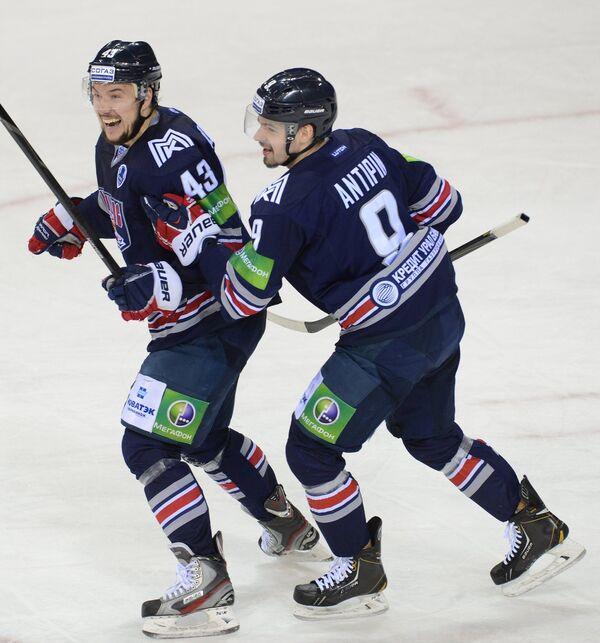 Ян Коварж (слева) и Виктор Антипин