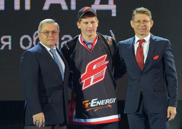 Владимир Шалаев (слева), Павел Шеруимов (справа) и Дмитрий Жукенов (в центре)