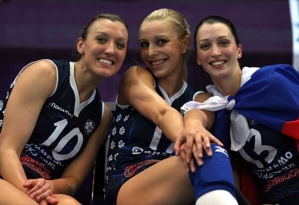 Волейболистки казанского Динамо Джордан Ларсон, Регина Мороз и Евгения Старцева (слева направо)