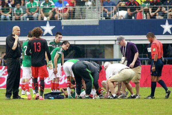 Луис Монтес в матче против Эквадора