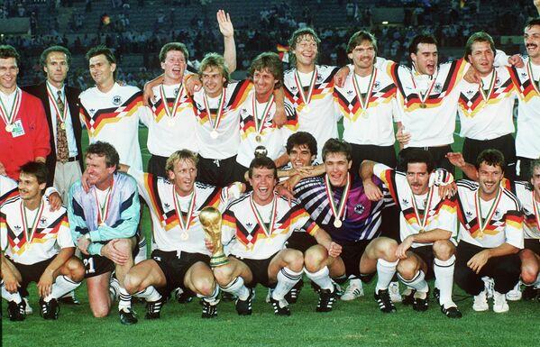 Футболисты сборной ФРГ, 1990 год