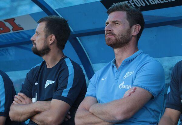Главный тренер Зенита Андре Виллаш-Боаш (справа)