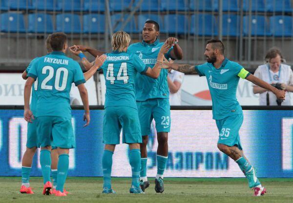 Футболисты Зенита Виктор Файзулин, Анатолий Тимощук, Рондон, Мигел Данни (слева направо)